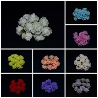 Малки силиконови рози на тел
